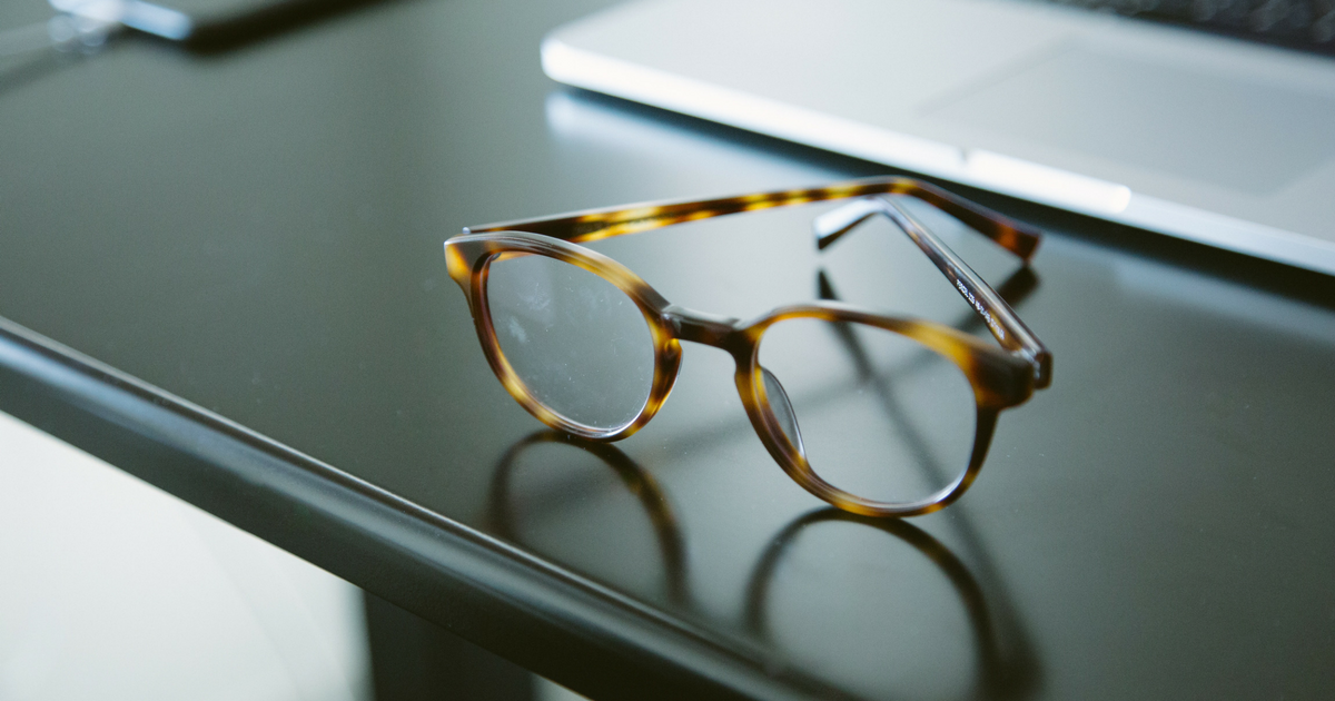 four signs your glasses don't fit
